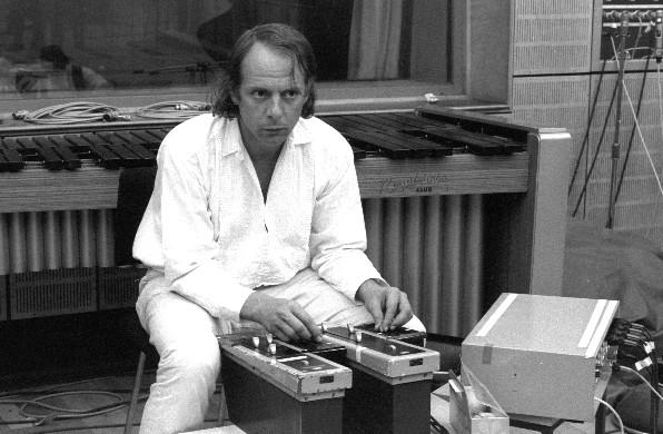 1971-06-26--wdr-köln,-studio-7----11-©fotograf-werner-scholz,-archiv-stockhausen-stiftung-für-musik,-kürten-(www.karlheinzstockhausen.org)-LBL0a1.png